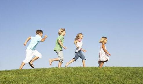 养殖场图片:每天留给孩子多长时间玩耍?3小时最合适